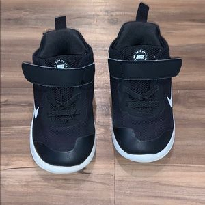 Nike Free RN Black Sneakers Size 7
